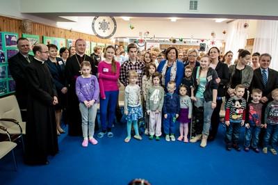 Sieć Biedronka, Caritas i Pierwsza Dama odwiedziły dzieci