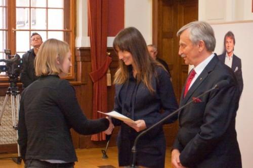Dominika Kulczyk wręczyła stypendia imienia jej Taty