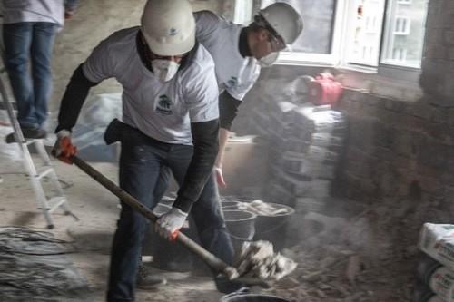 Wolontariusze P&G oraz Fundacja Habitat for Humanity Poland znów razem pomagają