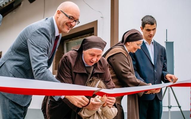 Nowy parking Ośrodka dla Dzieci Niewidomych w Laskach