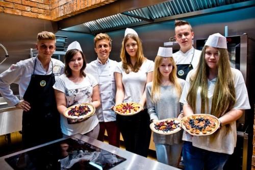 Młodzi zawodowcy szkolą się w Carrefour