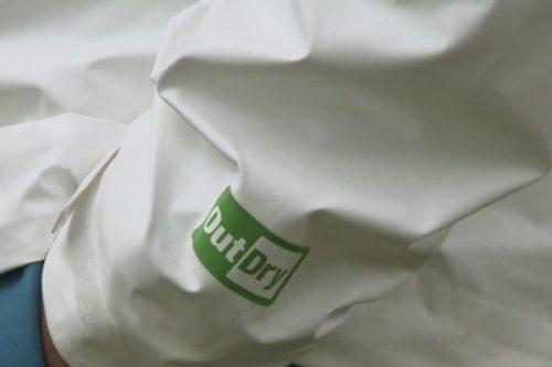 Powstała kurtka wyprodukowana z 21 butelek PET