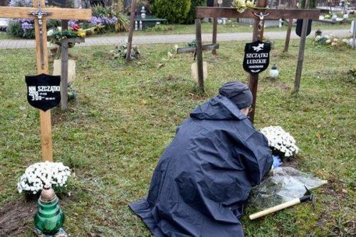 Carrefour wraz z dostawcami zadbał o groby nieznanych zmarłych