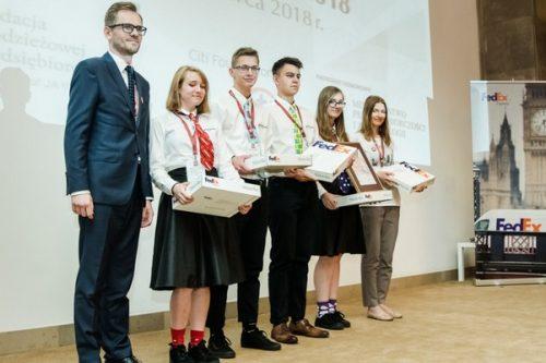 FedEx Express wspiera edukację młodych polskich przedsiębiorców