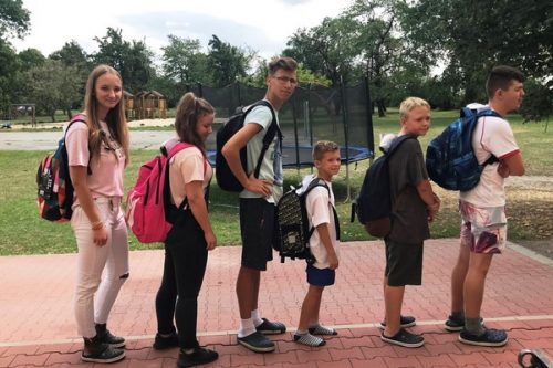 Pracownicy ufundowali szkolne wyprawki dla uczniów z dolnośląskich domów dziecka